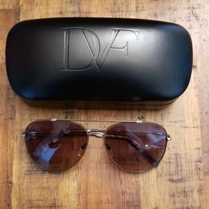 Diane Von Furstenburg aviator sunglasses new!